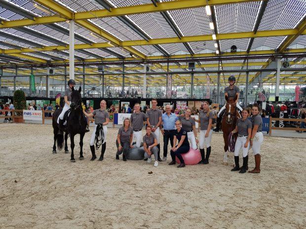 Groepsfoto studenten en docenten Lentiz Horse Event 2019
