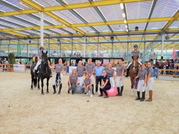 Groepsfoto studenten paardensport Lentiz MBO Maasland bij horse-event 2019